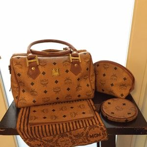 100%Authentic Vintage MCM BostonBag w/accessories
